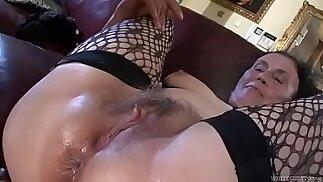 Dirty anal loving granny