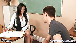 Busty sex teacher Jaclyn Taylor gets pussy banged in classroom