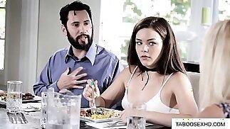 Figlia che fa sesso anale per la prima volta con il padre