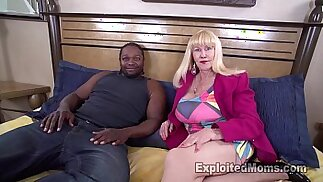Sexy Blonde Grandma Gives Her First Blowjob in Mature Big Tits porn Video