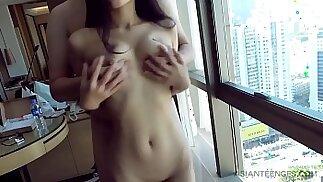 Amateur Sex with a petite Chinese slut