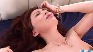 Amateur blonde milf Keito Miyazawa fucked in threesome