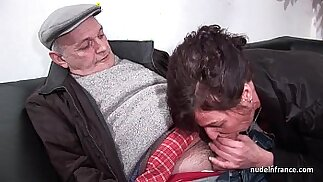 Amateur mature hard DP and facialized in with Papy Voyeur